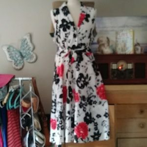 Dresses & Skirts - Beautiful black white and red floral print dress